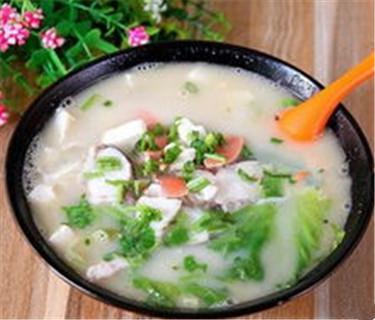 打卡栖凤渡鱼粉:郴州早餐的一张名片。